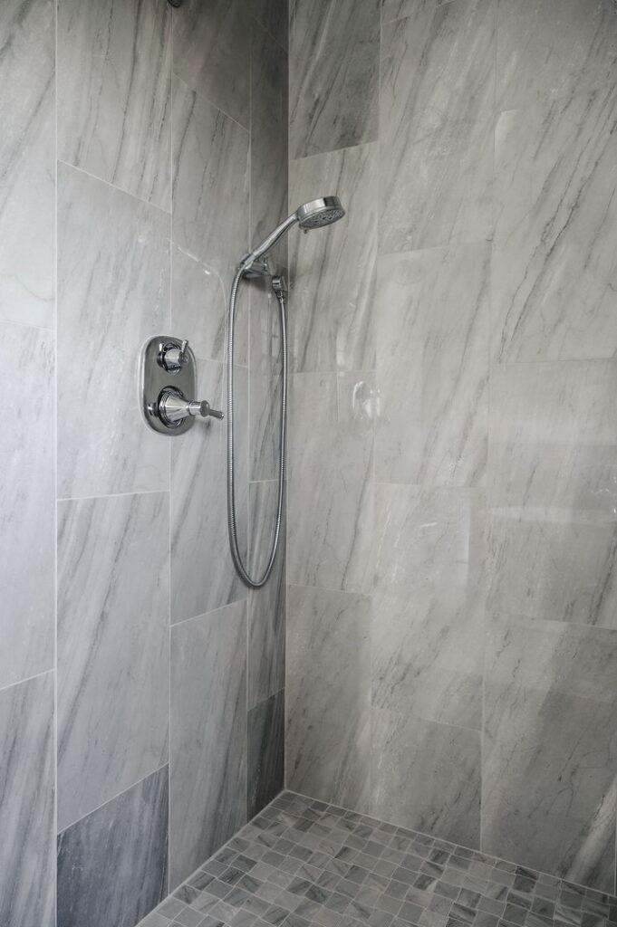 Bathroom 18